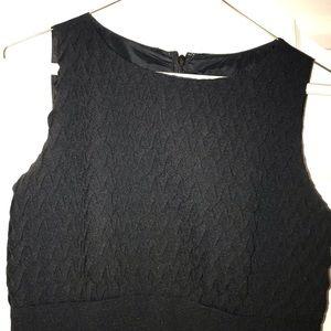 Sliming black dress